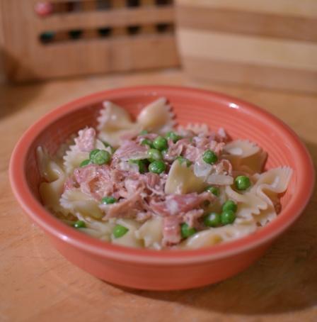 Pasta with peas and prosciutto recipe